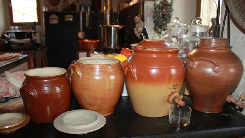 Pot , cruche et jarre en grès , un peu d'Histoire…